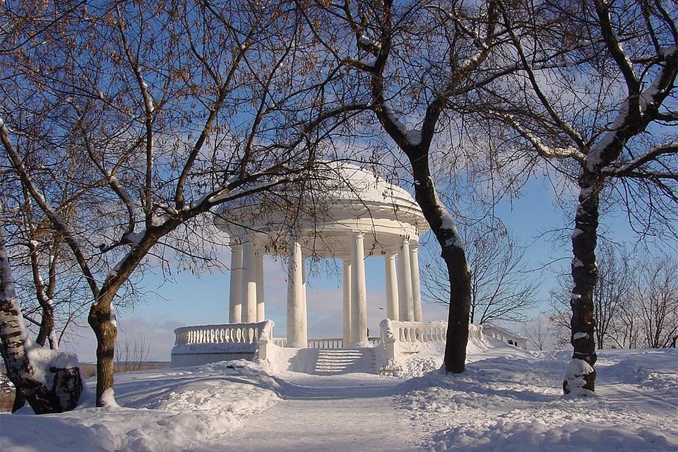 Вкировском Александровском Саду ротонды очистили отснега