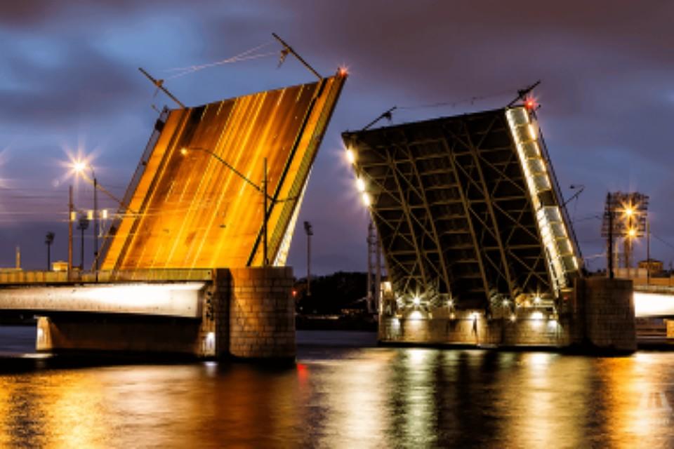 Тучков мост закрыли для ночного движения навыходные