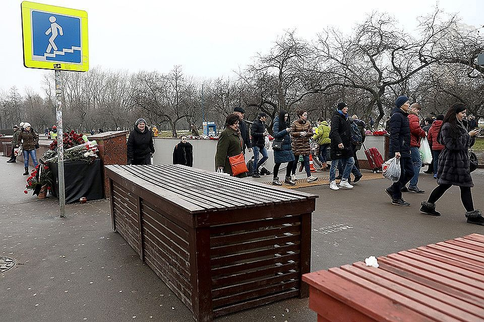 Бетонные блоки на дорогах столицы оставят доконца года
