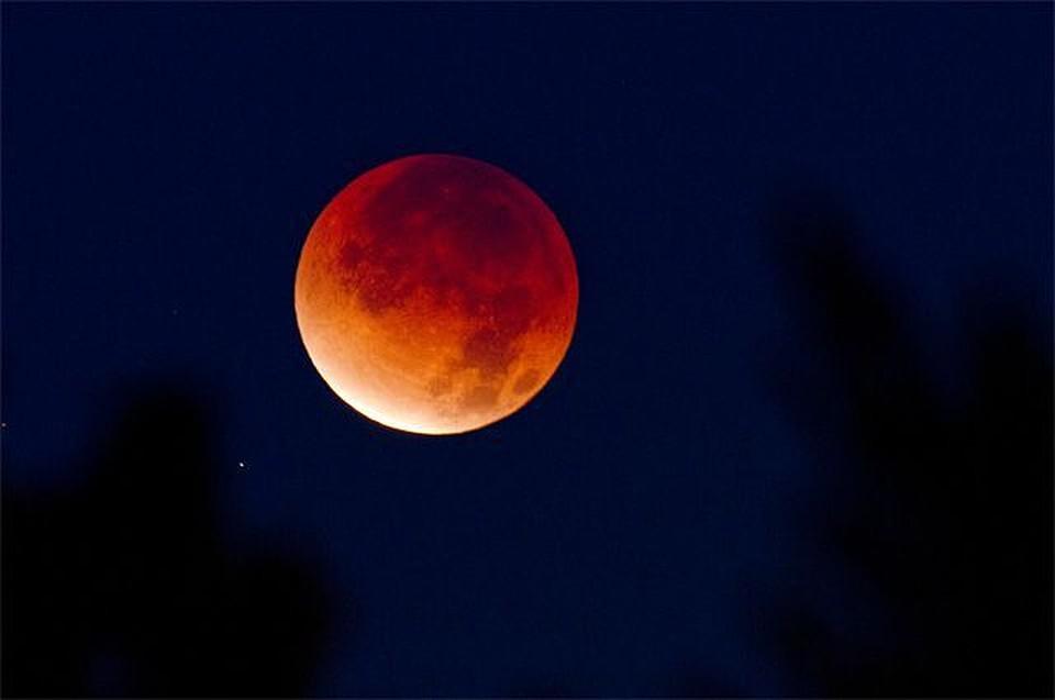 Внебе над Тамбовом взойдет гигантская красная луна
