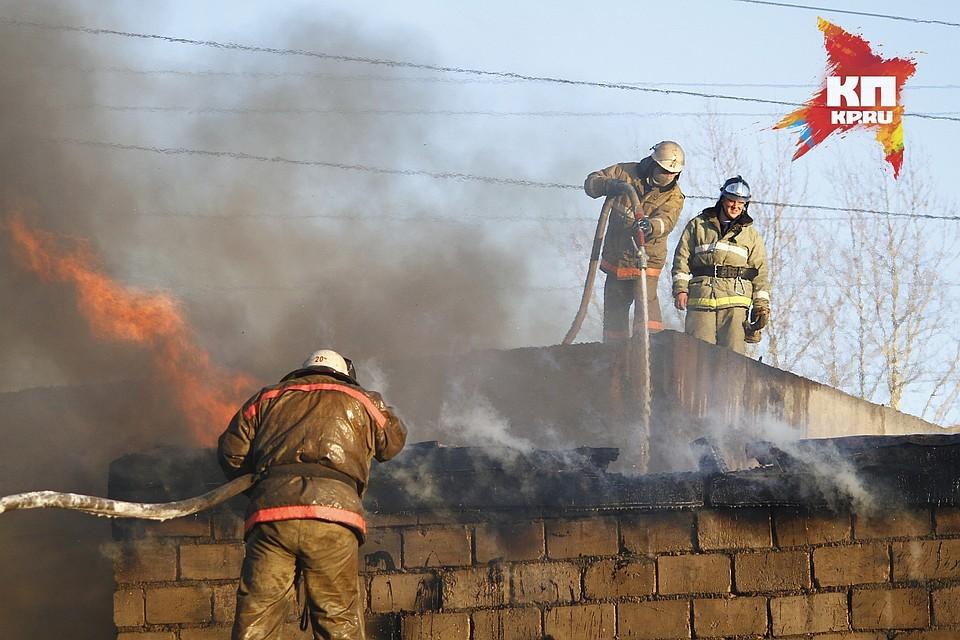 Пироманы подожгли 5 дачных домов вЖелезногорске: дело ушло всуд