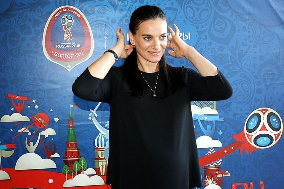 Елена Исинбаева втренажерном зале готовится кродам