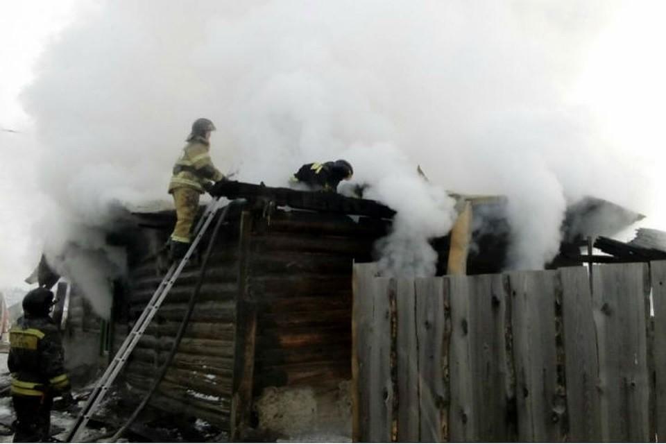 4 человека погибли напожаре впоселке Маркова