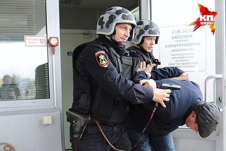 ВРостовской области угонщик автомобиля несколько раз ударил ножом пенсионерку