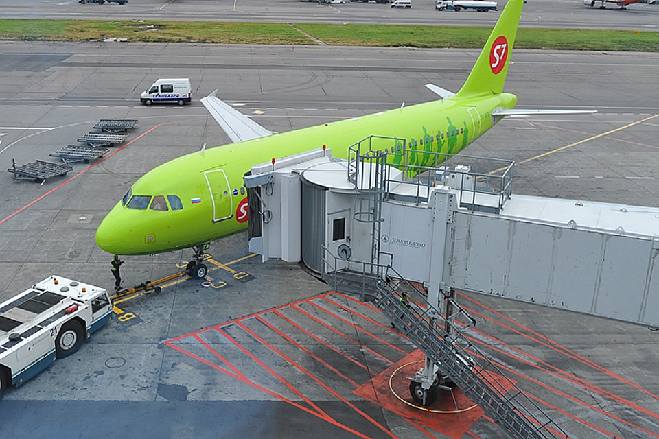 ВДомодедово эвакуировали пассажиров Boeing 737 из-за задымления