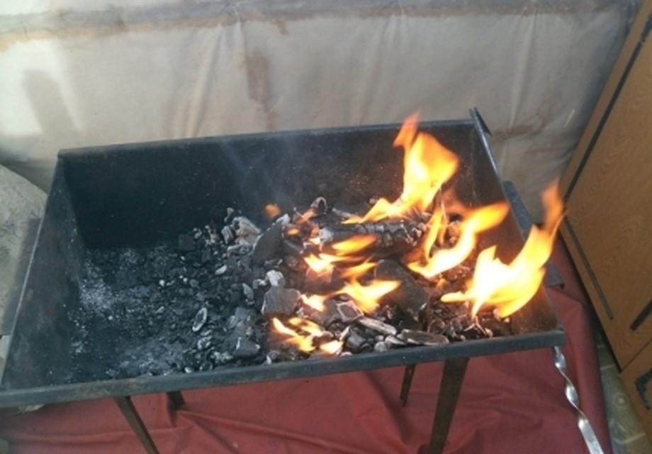 Нарушитель противопожарного режима, жаривший шашлык набалконе— оштрафован