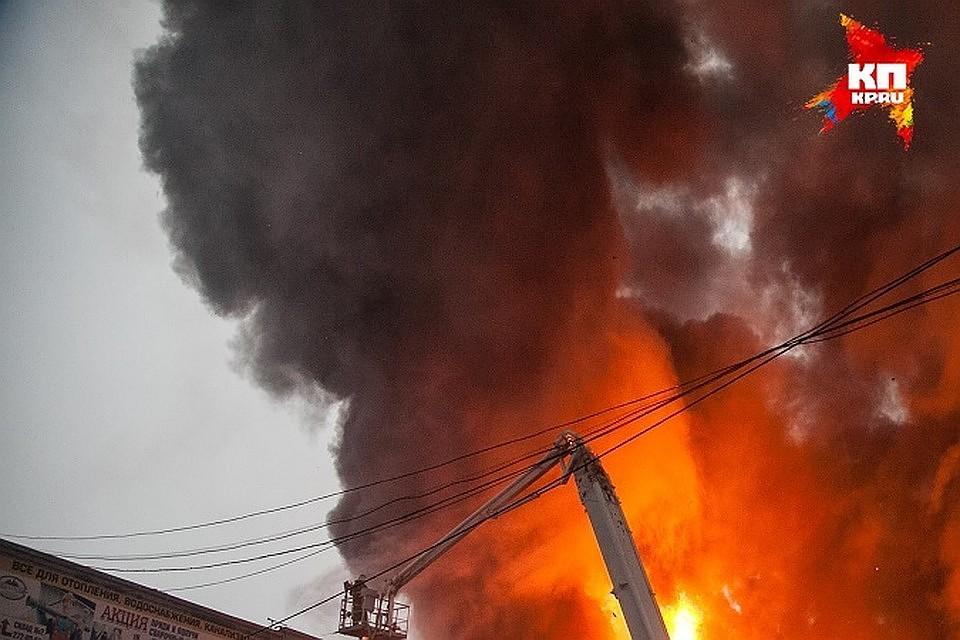 Два человека погибли впожаре в высотном здании вКазани