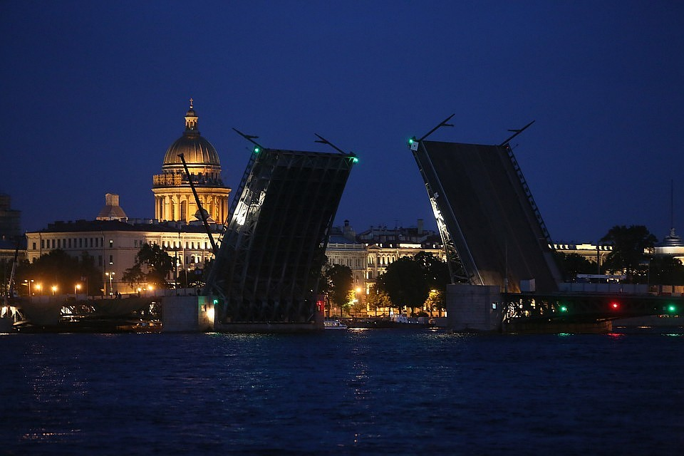 4 моста разведут вПетербурге заночь