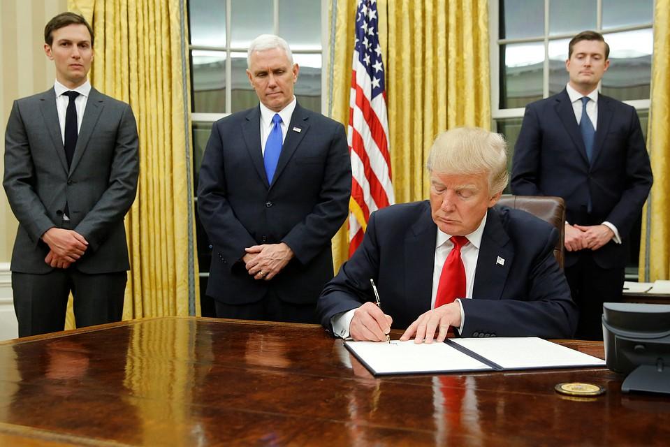 Трамп объявил , что США введут санкции против РФ, «когда она данного  заслужит»