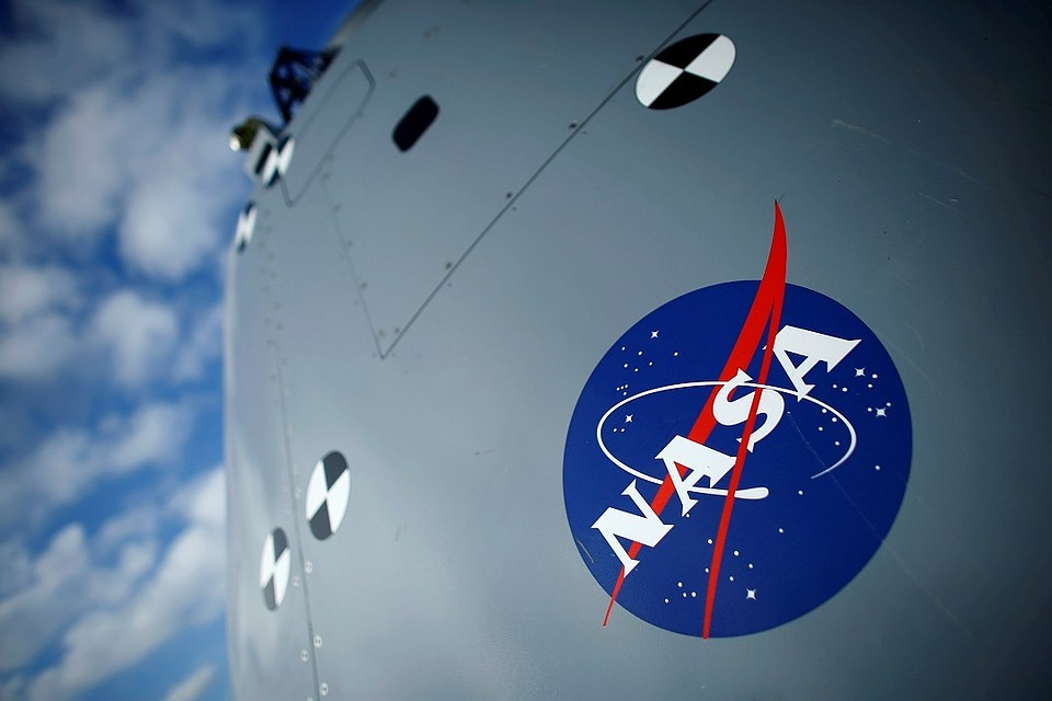 США предложили России свои скафандры для лунной станции