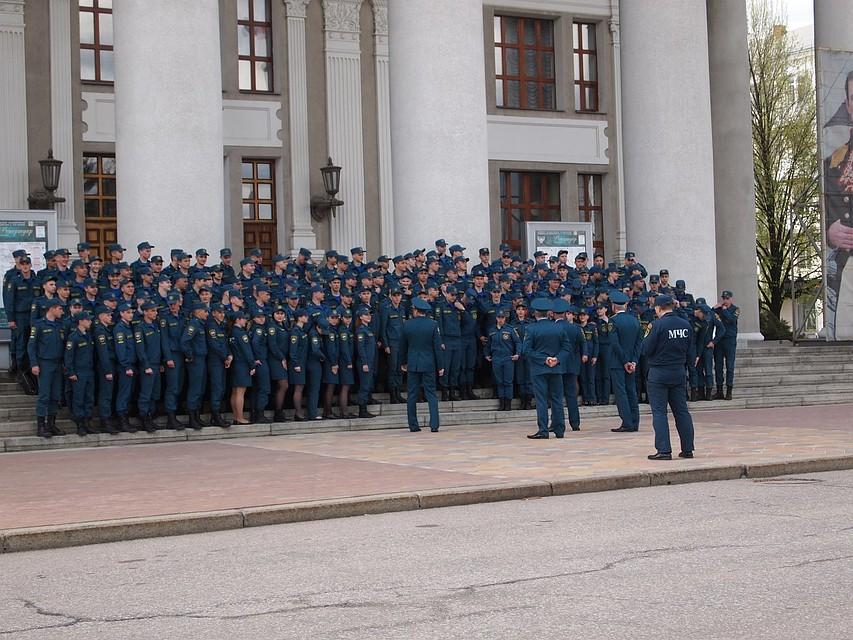 Нафоне флагов УПА: вДонецке сделали «живой портрет» Захарченко