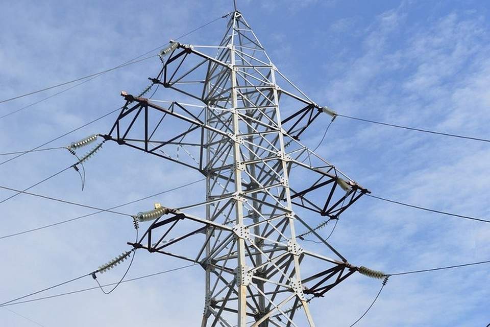 Весь захваченный Крым остался без электрической энергии, неработает сотовая связь