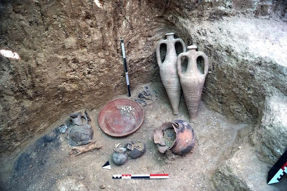 Настройке «Тавриды» отыскали некрополь ссокровищами: археологи ликуют