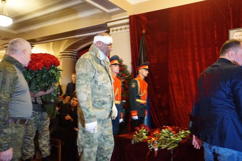 Напрощание сЗахарченко пришли неменее 120 тыс. граждан ДНР