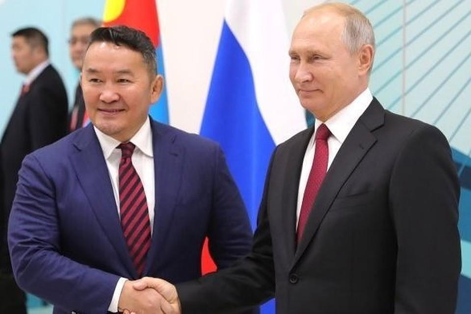 Путин объявил опоступательном развитии отношений РФ иМонголии