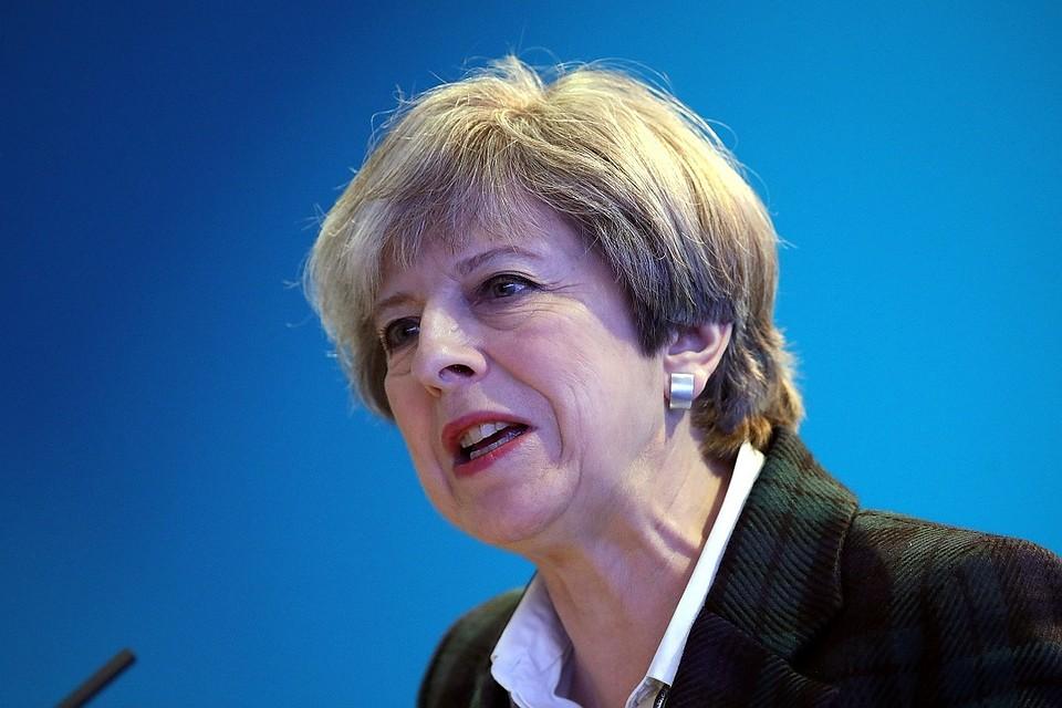 Английские парламентарии подняли вопрос обувольнении Терезы Мэй