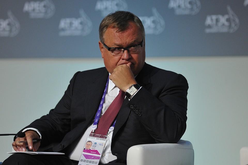 Руководитель ВТБ призвал отменить решение неприглашать русских предпринимателей вДавос