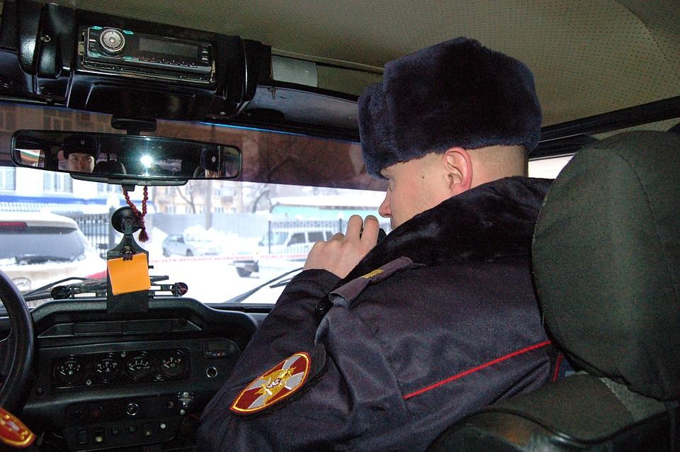 ВНевьянске пассажиры ударили таксиста поголове изабрали сумку сдокументами