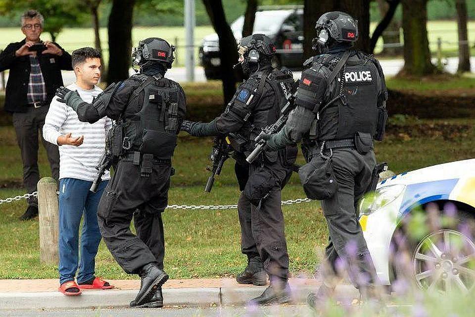 Расстрелявший в Новой Зеландии людей террорист отправил письмо премьеру