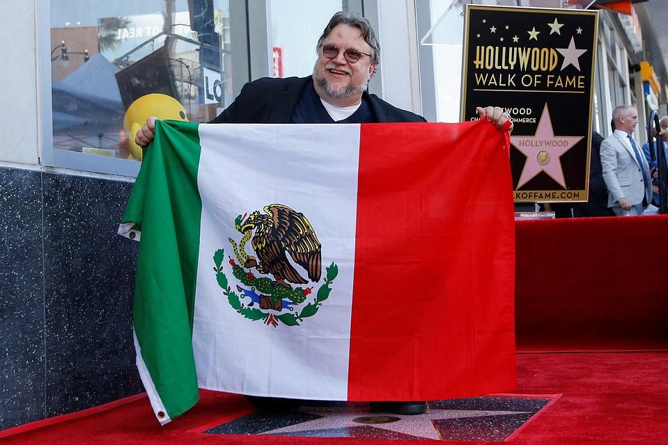 Кинорежиссер Гильермо дель Торо был удостоен звезды на«Аллее славы» Голливуда