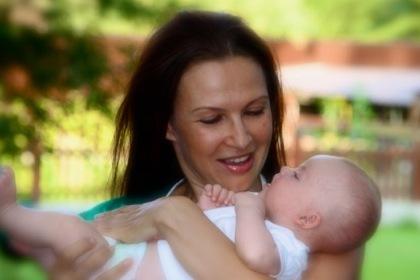 Эвелина Бледанс с сыном.