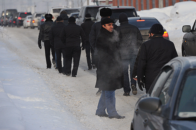 На похоронах Деда Хасана образовалась пробка из шикарных автомобилей