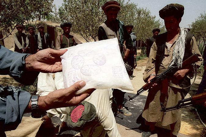 С уходом войск западной коалиции из Афганистана российским властям придется в одиночку перекрывать крупнейший в мире наркотрафик