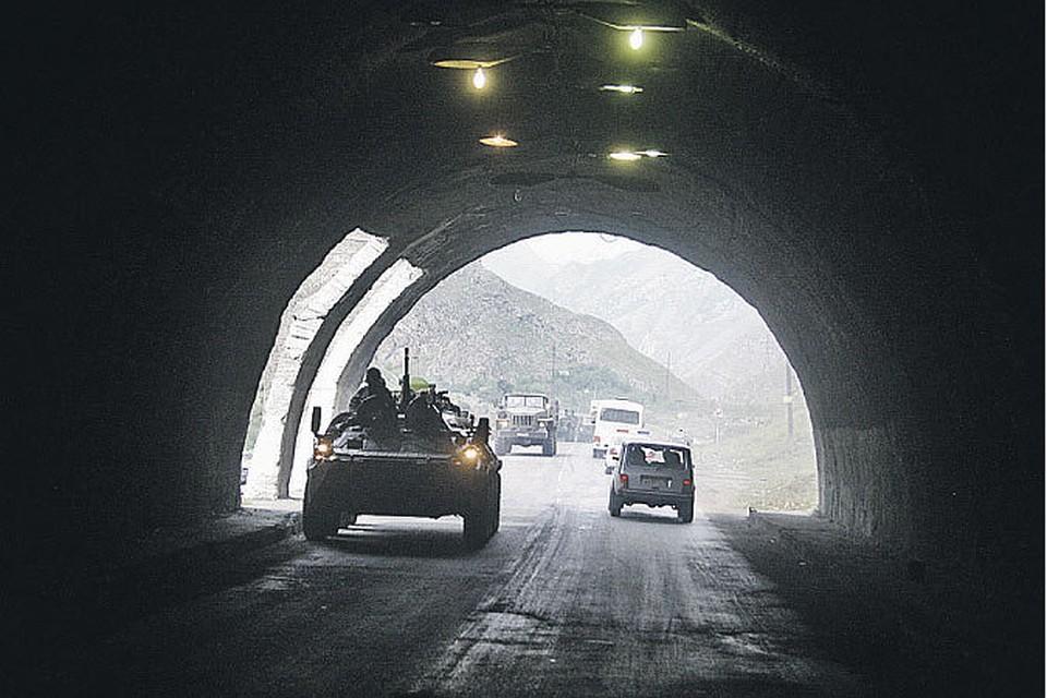 Рокский тоннель - ключевой рубеж августовской войны. От скорости его прохождения боевыми колоннами зависела судьба осажденного Цхинвала.