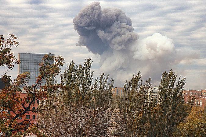 Александр Коц и Дмитрий Стешин передали в редакцию этот снимок взрыва в Донецке