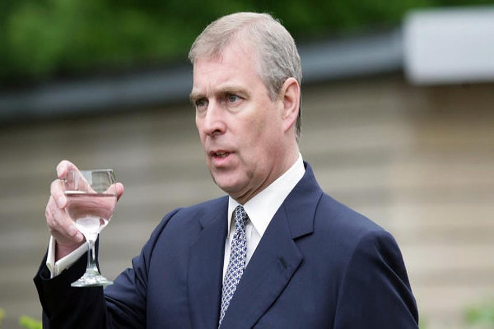 В Великобритании разразился скандал - британского принца Эндрю, герцога Йоркского обвинили в педофилии