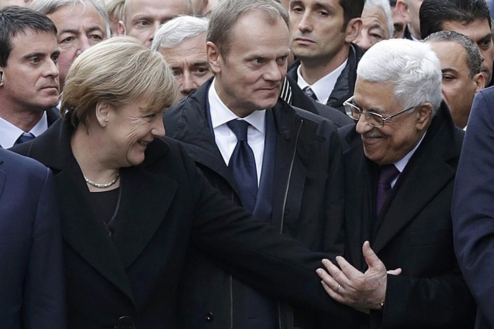 Более миллиона человек вышли в Париже на марш против террора, а во главе колонны шли руководители стран Евросоюза