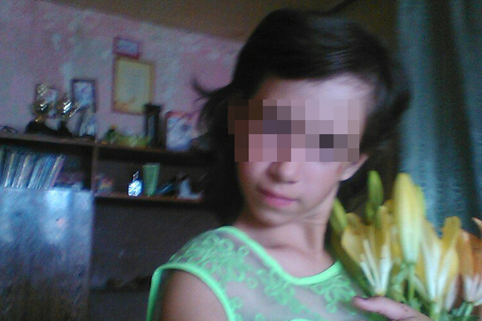 видео секс мужик увёз школьницу в лес и трахнул