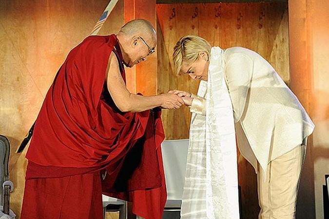 В США срочно госпитализирован тибетский духовный лидер Далай-лама