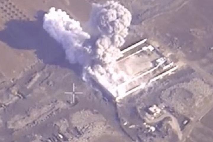 Рассказ телеканала «France2» про успешные авиаудары Франции по позициям запрещенного Россией ИГИЛ был удачно дополнен видеокадрами Министерства обороны России.