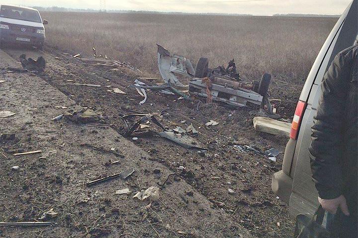В районе контрольно-пропускного пункта «Новомихайловка» микроавтобус подорвался на мине. Фото: украинский пресс-центр АТО
