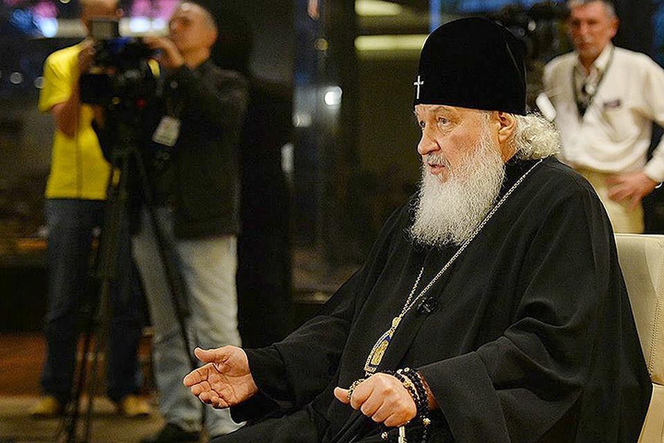 Патриарх Кирилл во время интервью. Фото: Игорь ПАЛКИН, пресс-служба.