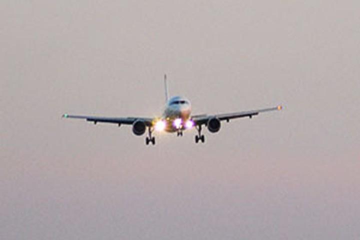 В Ташкенте экстренно сел самолет из Москвы с 327 пассажирами на борту