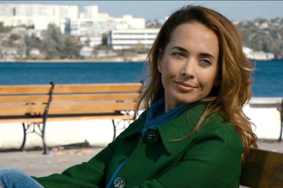 Ольга включила в свое видео кадры из старых клипов Жанны. Фото: Youtube.
