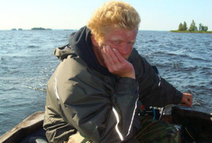 """Андрей Севериков первым обнаружил детей на острове (фото: """"Вконтакте"""")"""