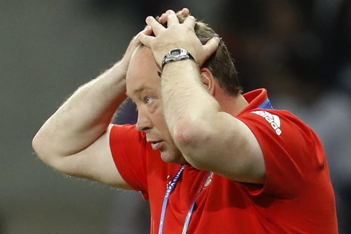 После матча Слуцкий заявил, что готов покинуть свой пост.