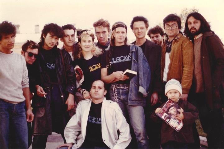 Не так давно Джоанна Стингрей опубликовала уникальные фото, сделанные в петербургской рок-тусовке в 80-е годы прошлого века. Фото: joannastingray.com