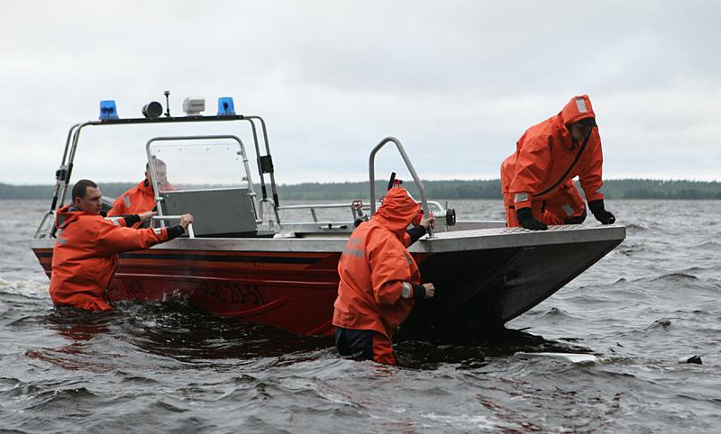 Почему вожатые не пригласили с собой спасателей? Фото: Игорь Подгорный/ТАСС