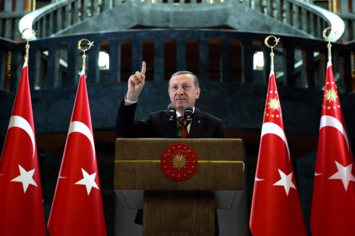 Президент Турции Тайип Эрдоган в Анкаре рассказывает об отношениях с Россией