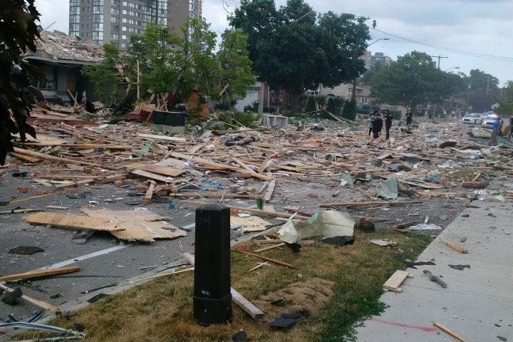 Последствия взрыва в канадском городе Миссиссога