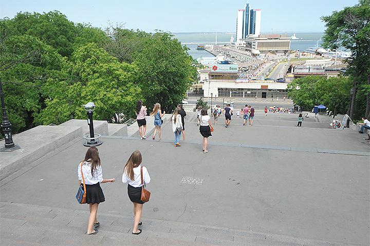 Вид на морской порт Одессы.