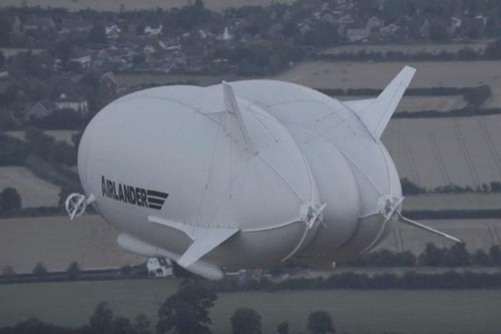 В Сети появилось видео полета самого большого в мире воздушного судна ФОТО: Кадр из видео