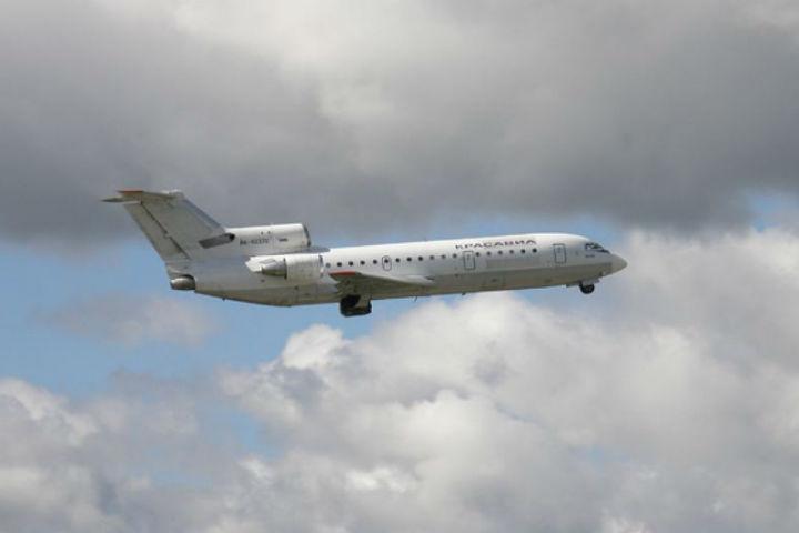 Пассажирский самолет сел вКрасноярске сотказавшим агрегатом