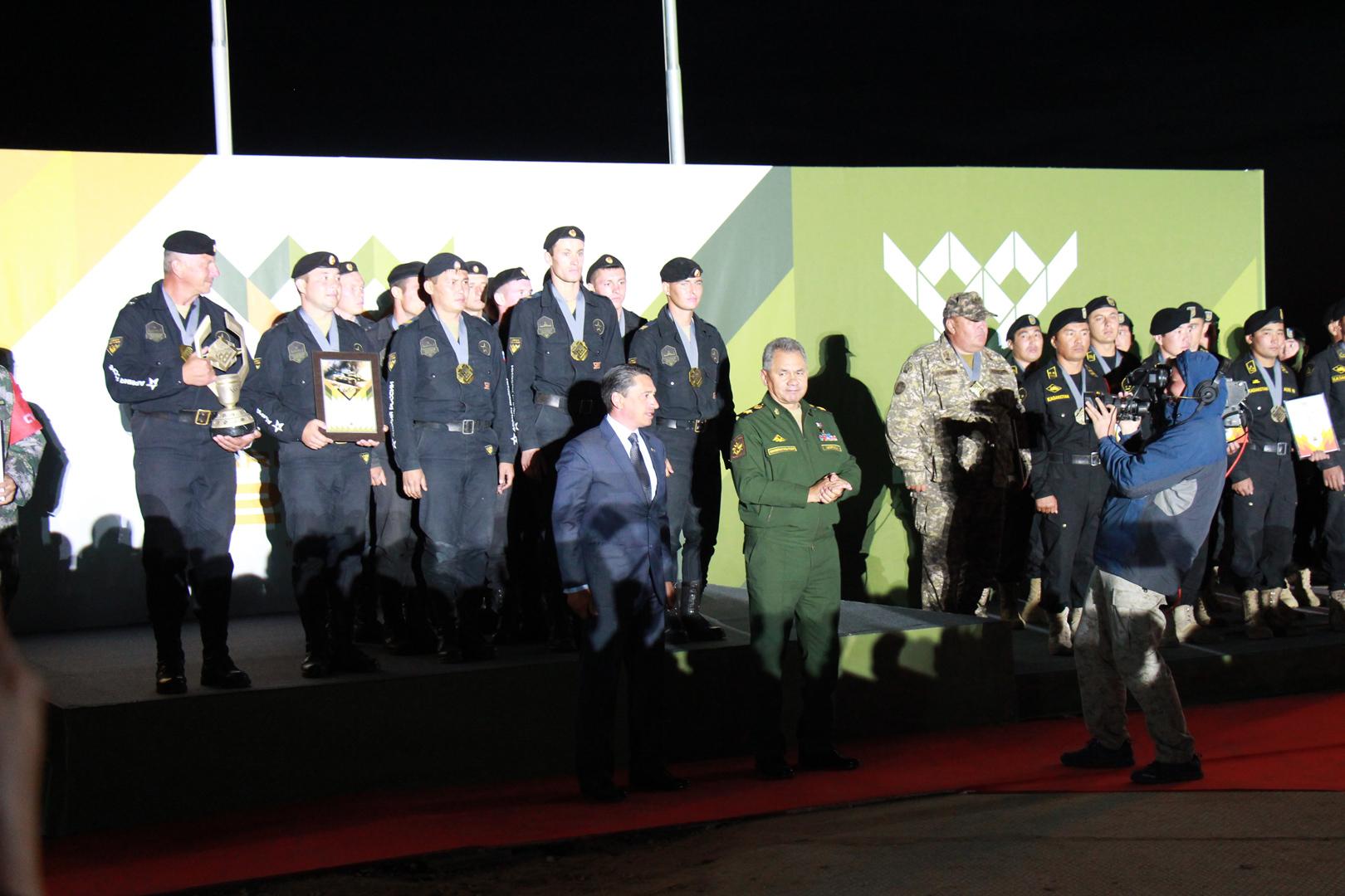 Фото в военной форме чтобы было видно стоящий член 11 фотография