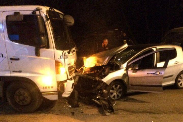 Столкновение смусоровозом наулице Ткачей привело к смерти водителя легковушки