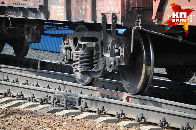 Поезд сбил 2-х мужчин под Новосибирском